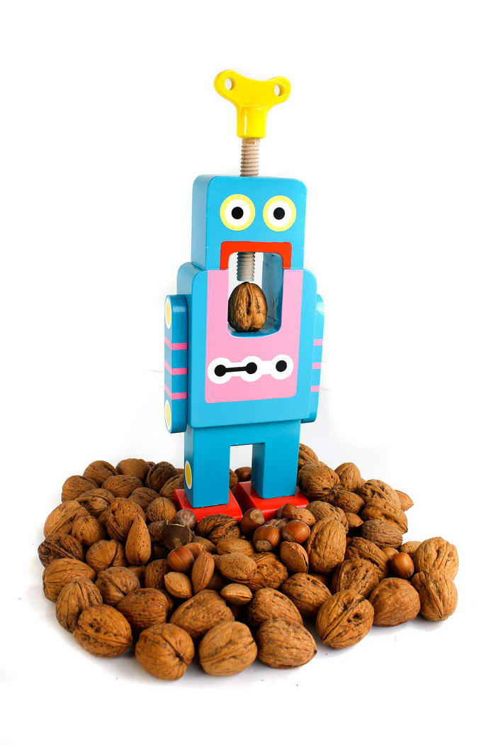 Suck UK Robot Nutcracker (3)