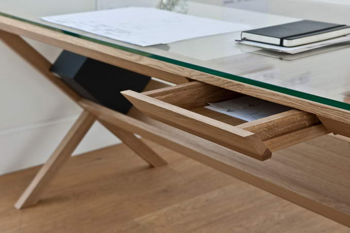 Covet Desk By Shin Azumi (3)