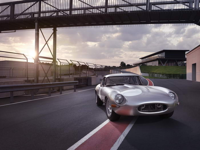 Jaguar E-type (7)